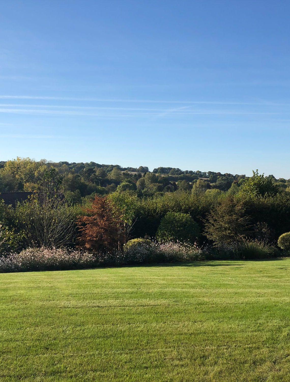 Les grands espaces du jardin à l'horizon
